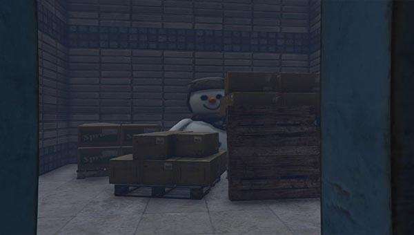 жаркой территории онлайн-игры можно отыскать снеговика